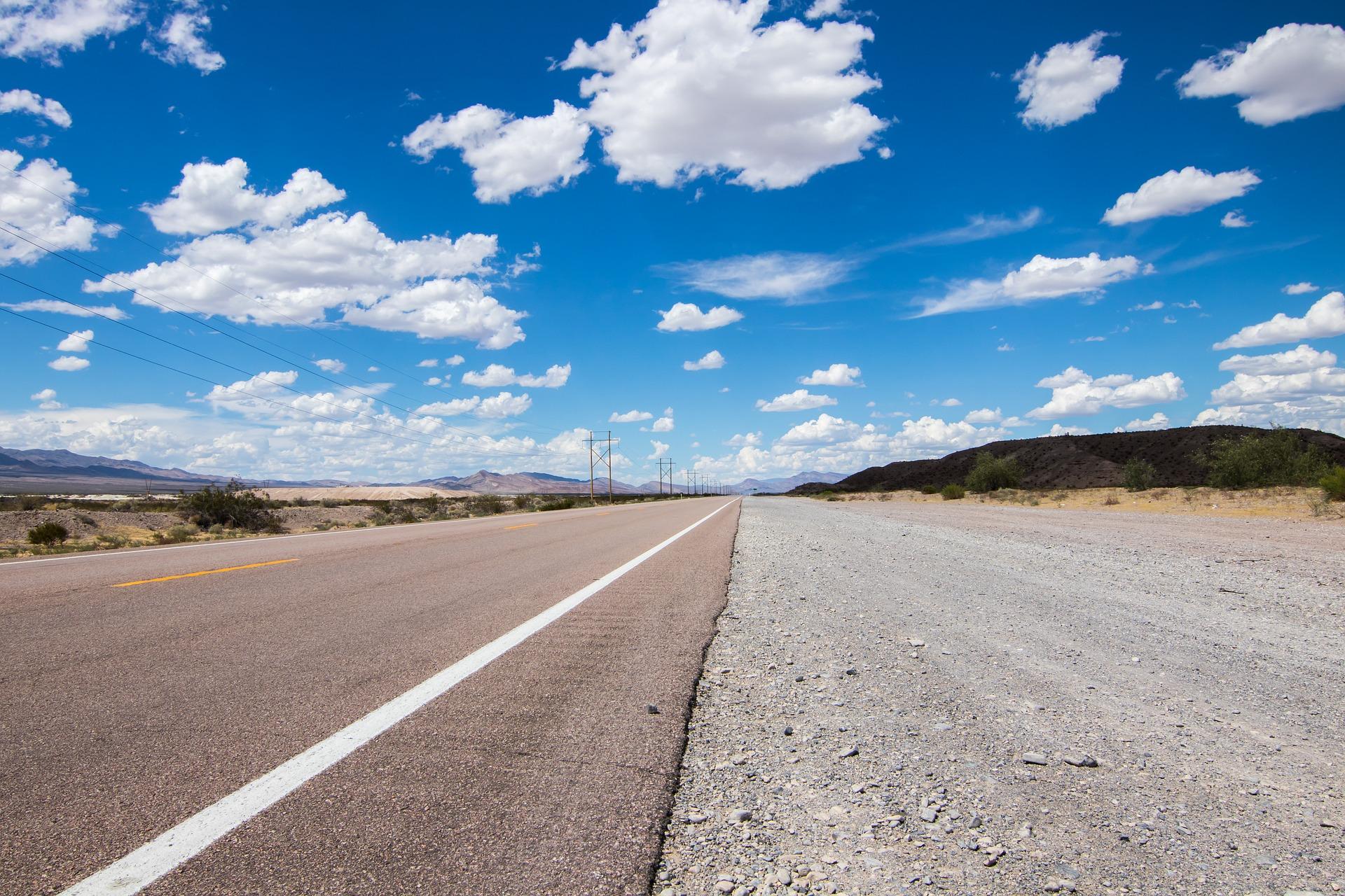 highway-2699543_1920