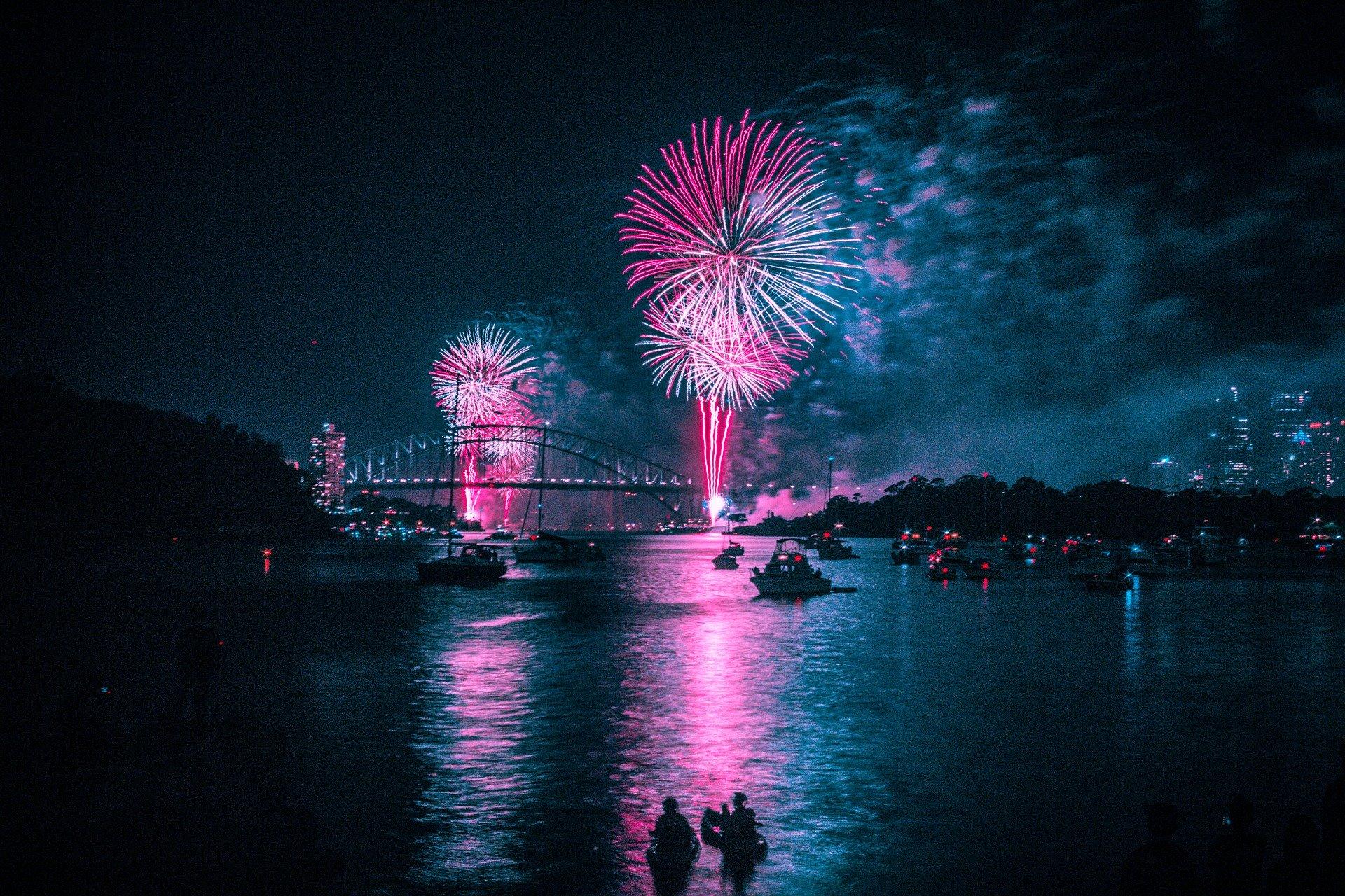 fireworks-4021214_1920