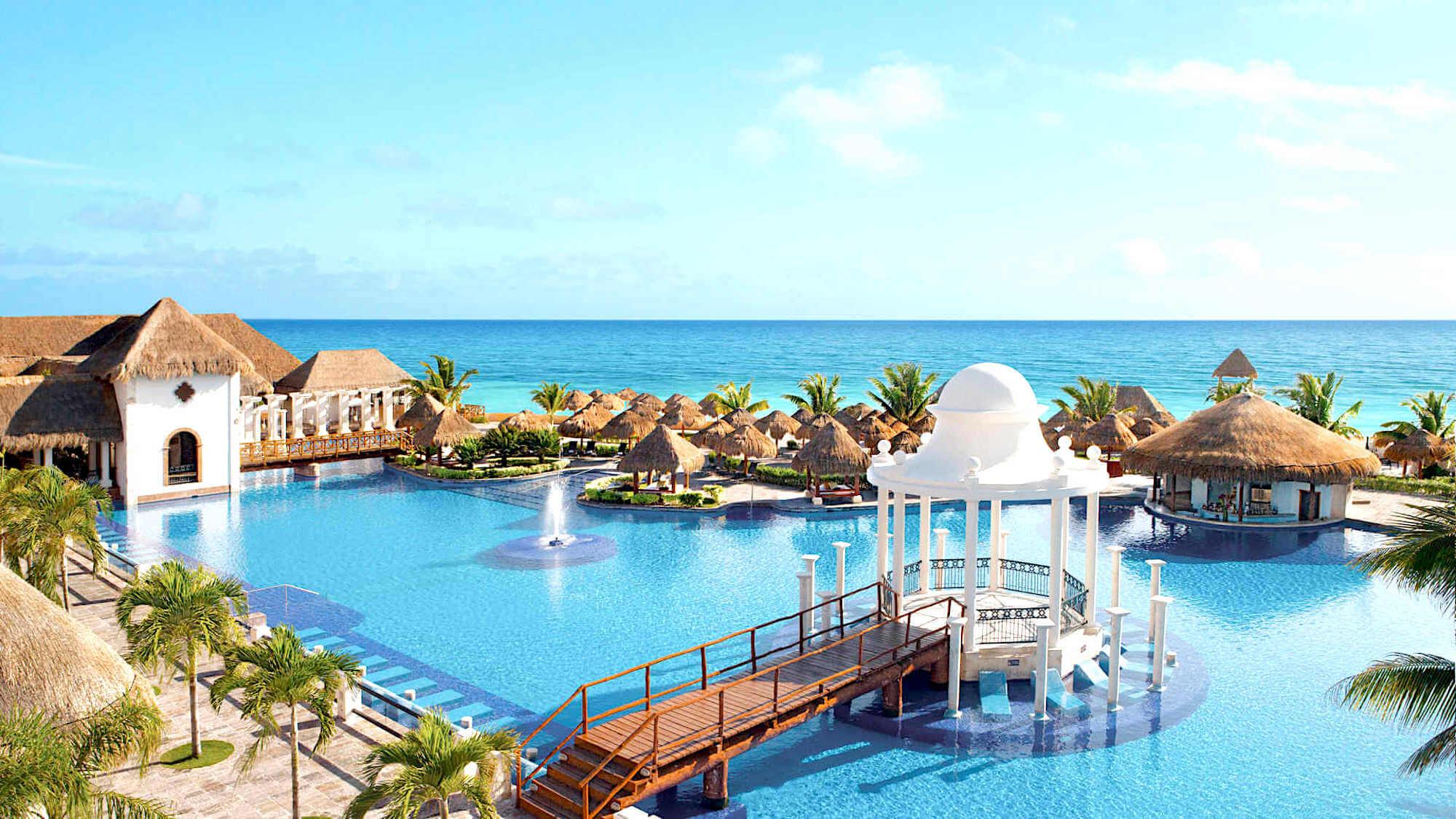Sapphire Riviera Cancun Pool