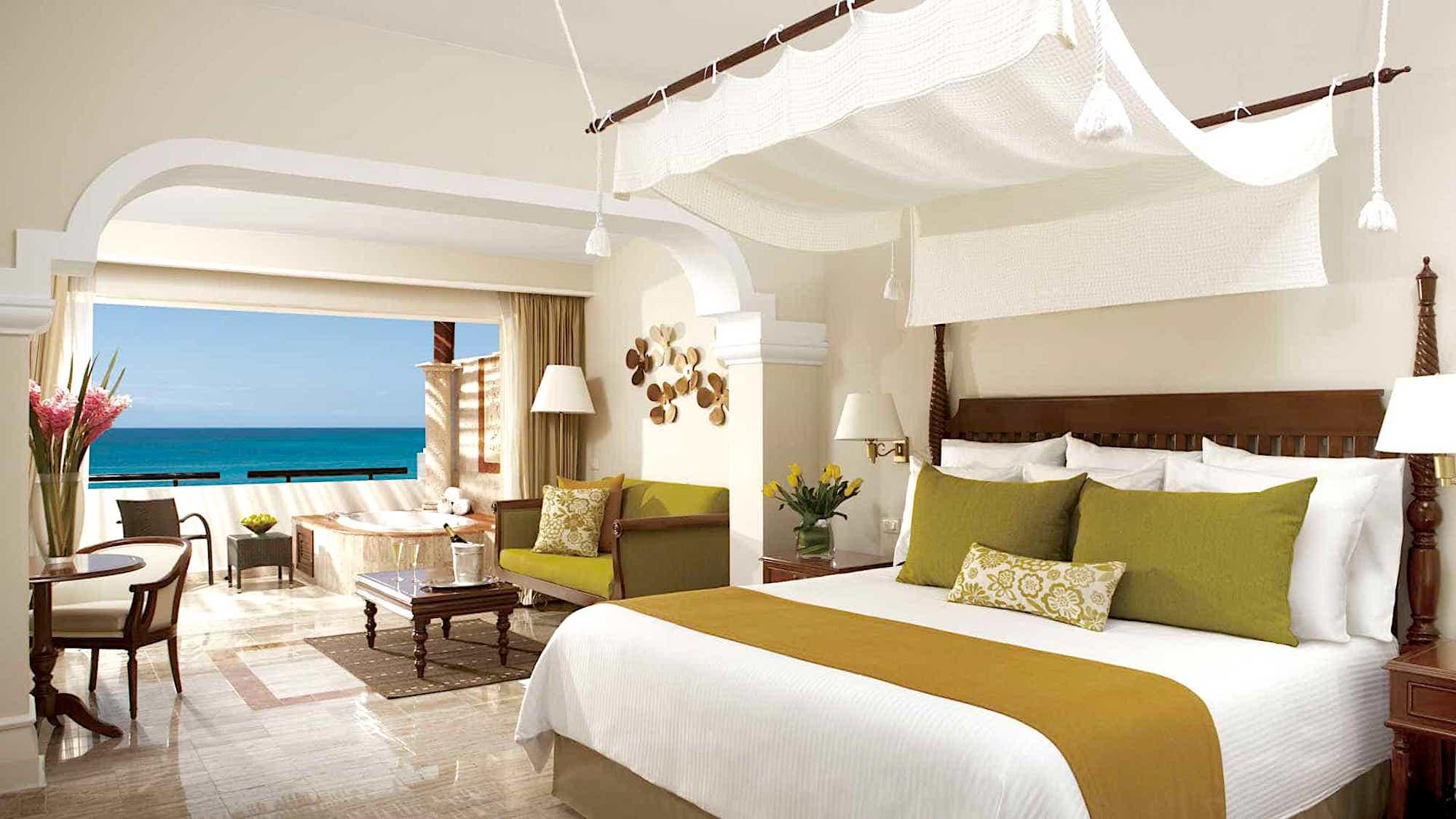 Sapphire Riviera Cancun Room