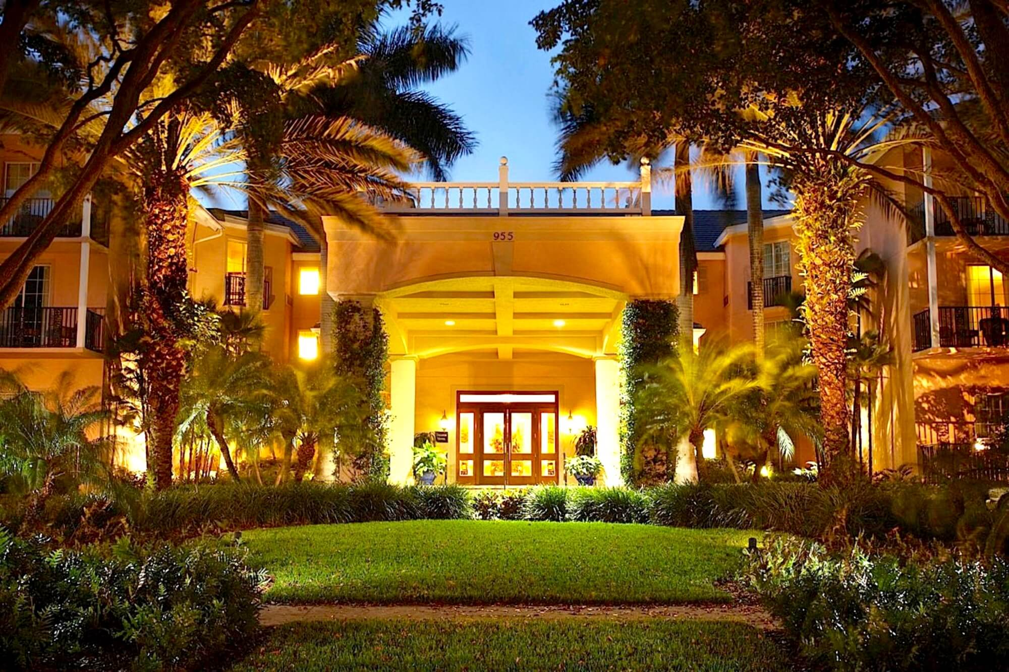 Trianon Old Naples Hotel Florida