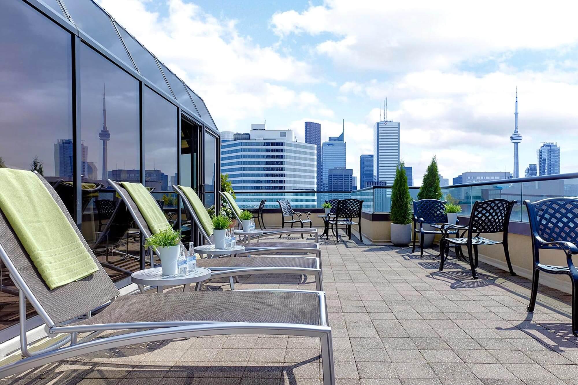 Chelsea Hotel Toronto Sun Deck