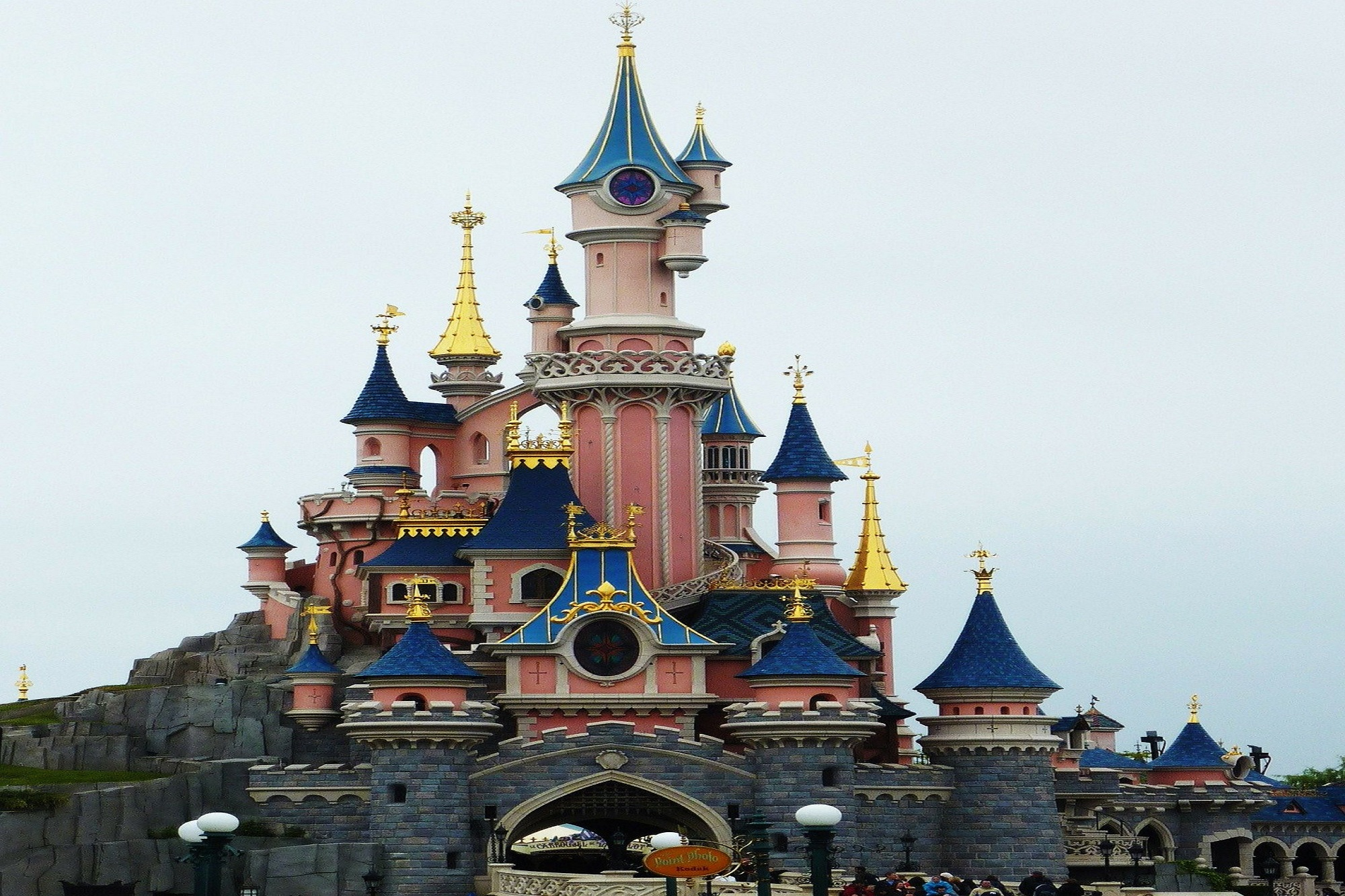 disneyland-paris-234579_1920