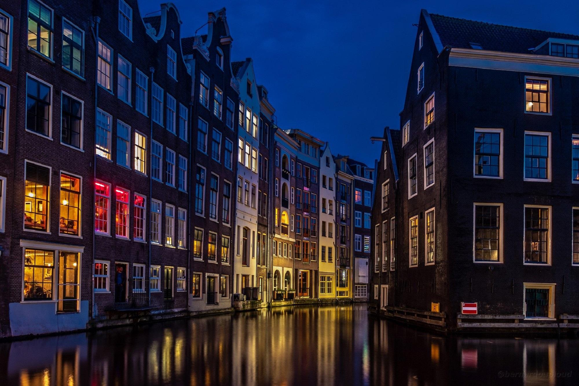 amsterdam-4625104_1920