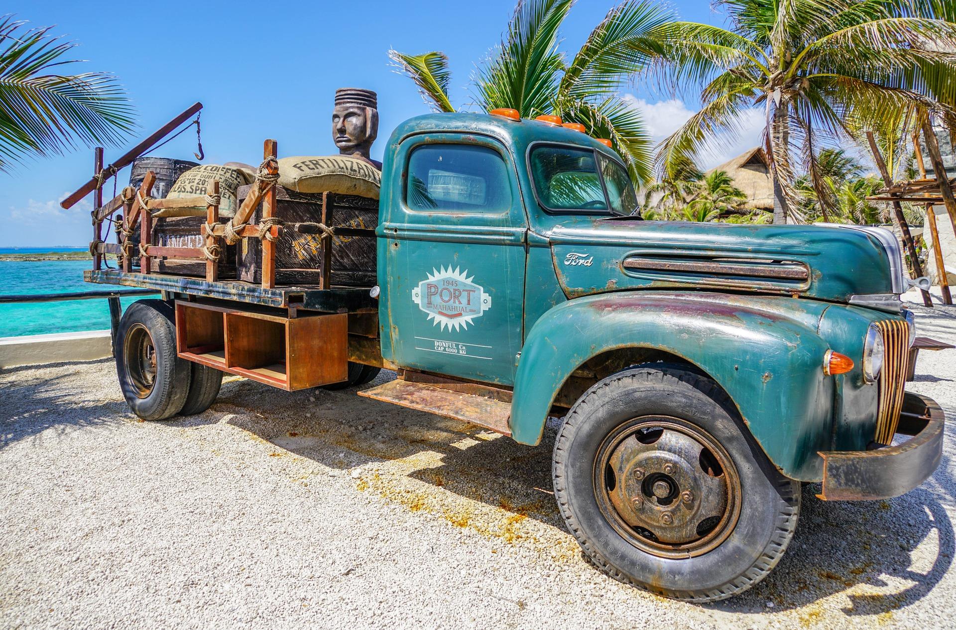 truck-1332564_1920