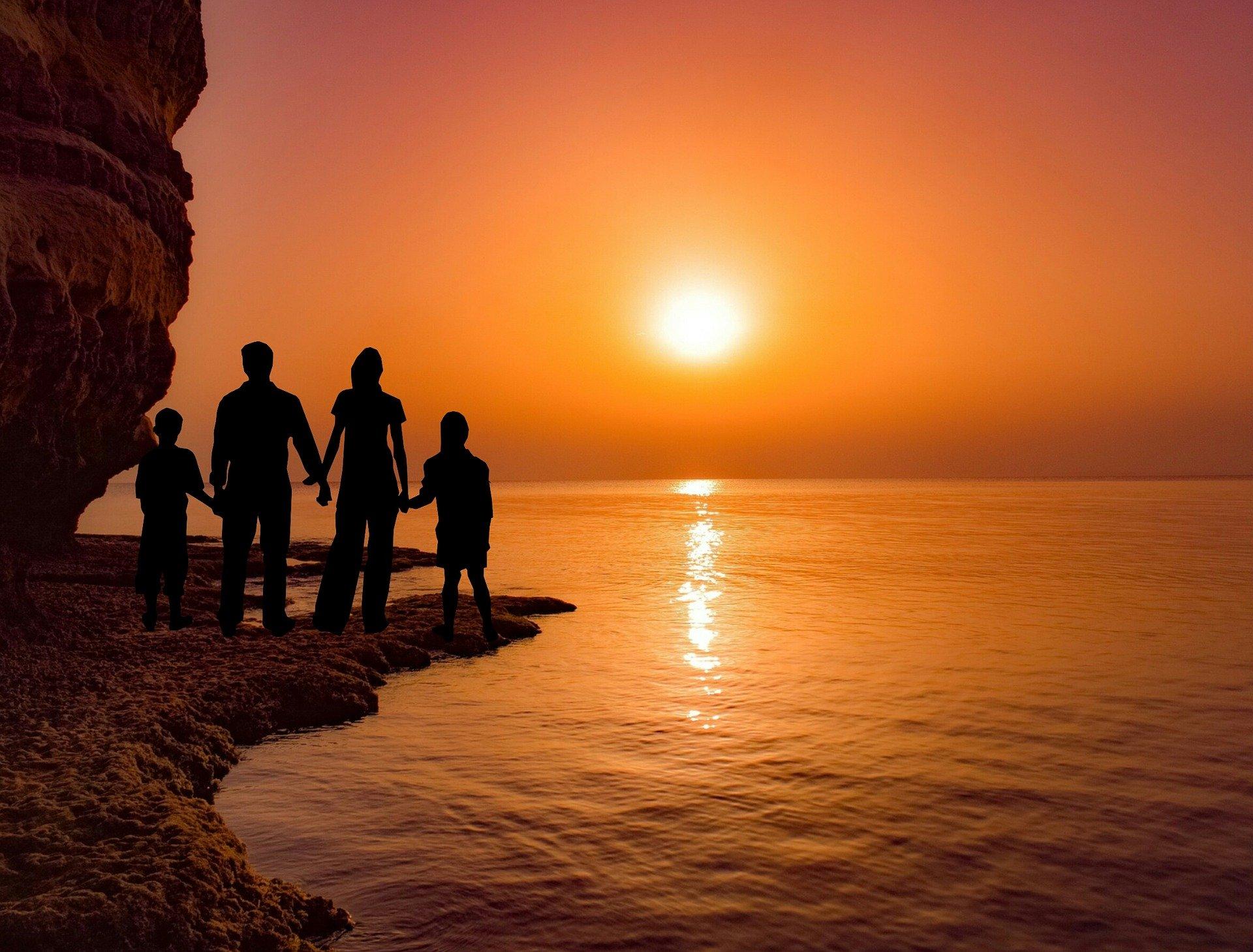 sunset-3309764_1920