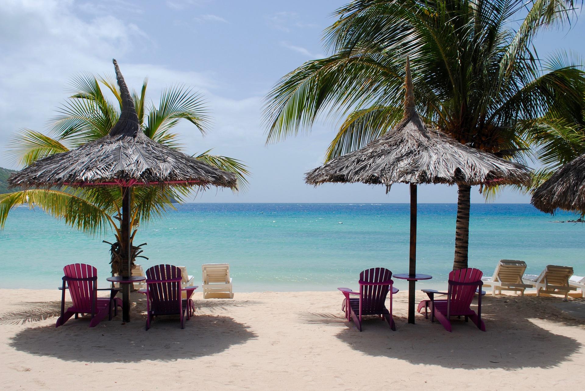caribbean-beach-1941529_1920