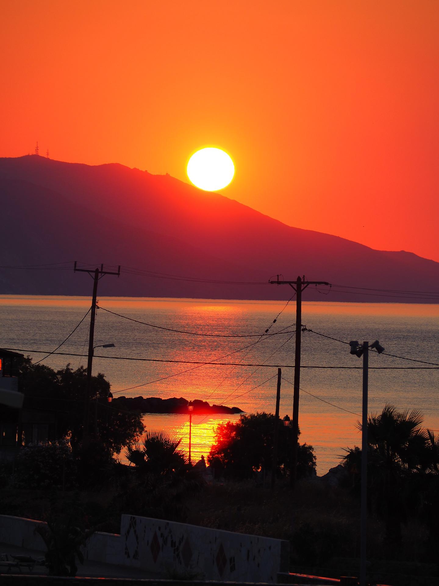 sunset-2452537_1920