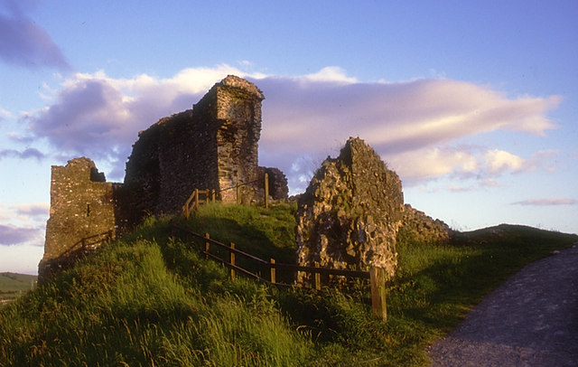 Kendal_Castle_at_sunset