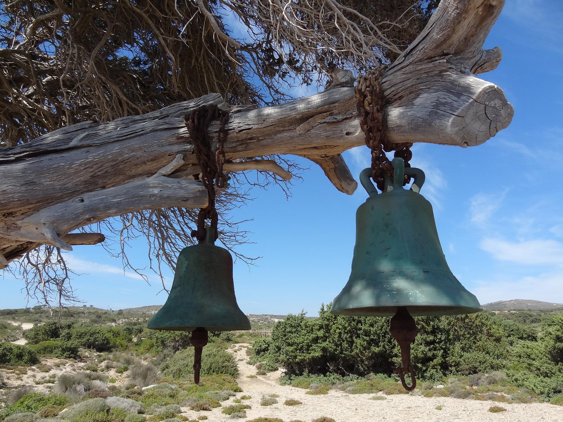 church-bell-2100191_1920