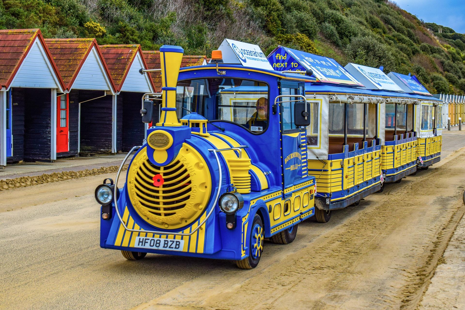 train-3956712_1920