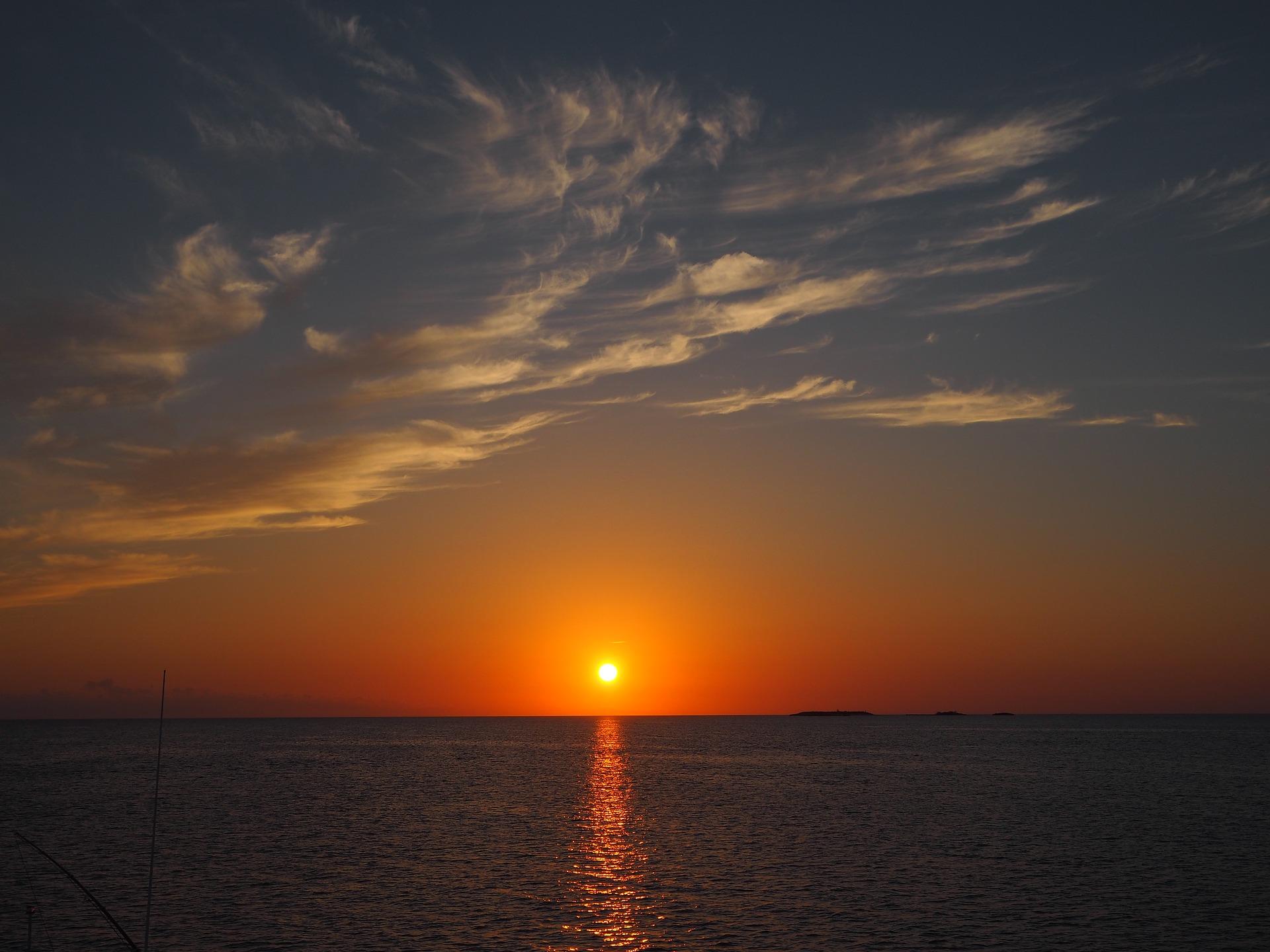 sunset-2428829_1920