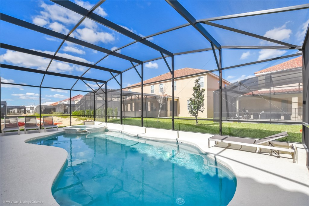 Solterra Resort - 14 Bedroom Villa - Pool