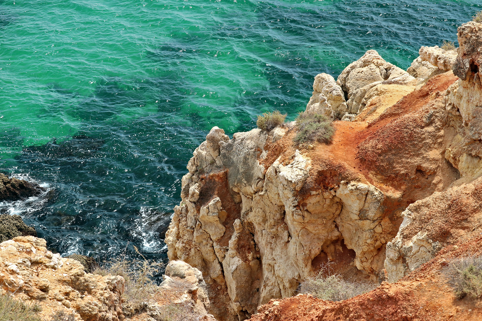 cliffs-5051097_1920
