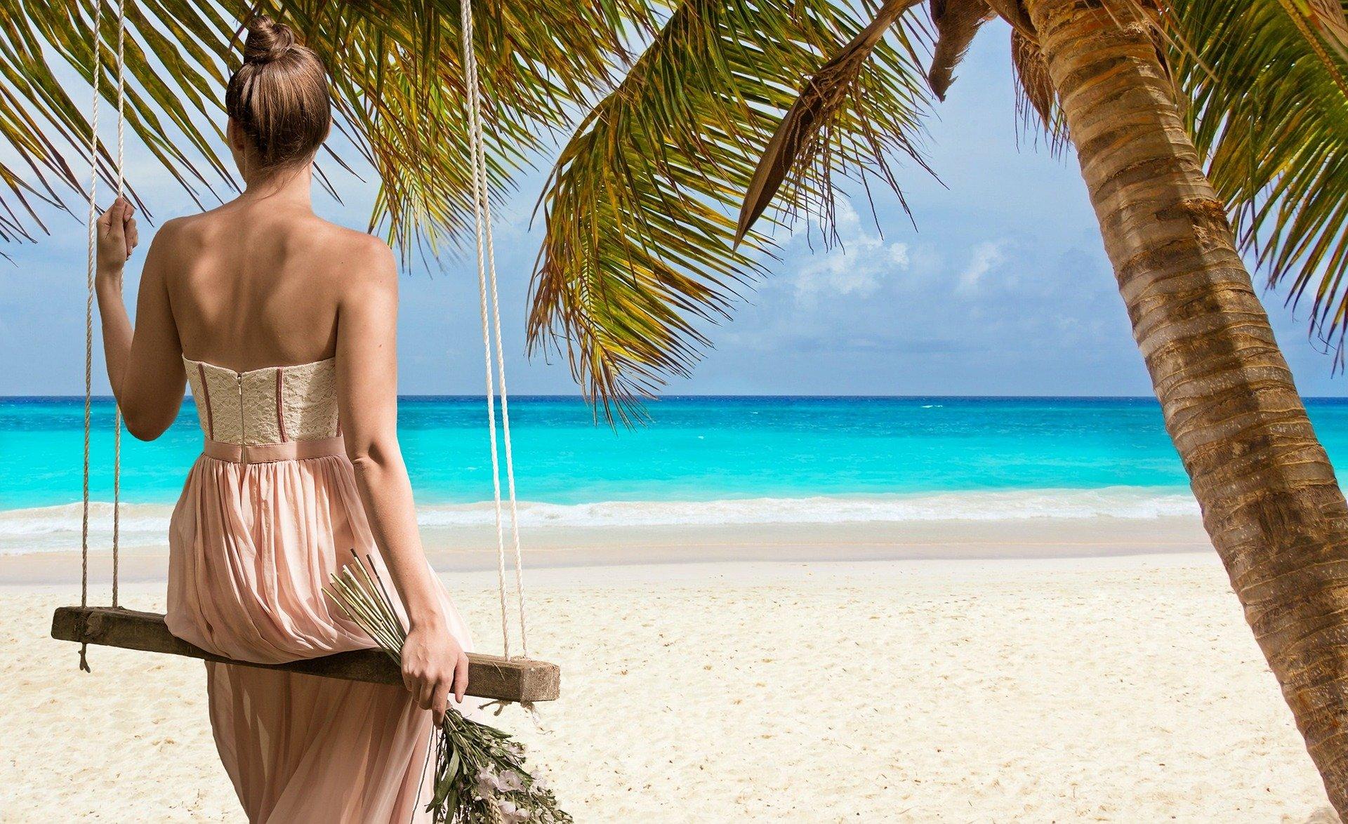 beach-2858720_1920