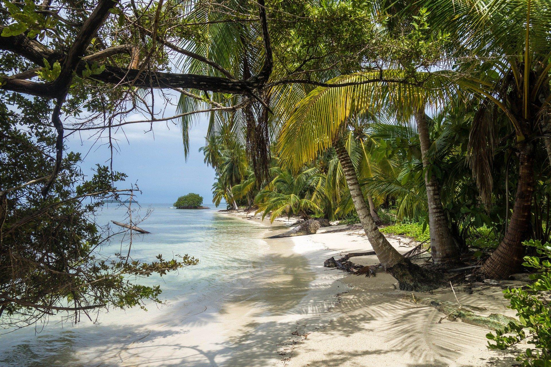 beach-4388225_1920