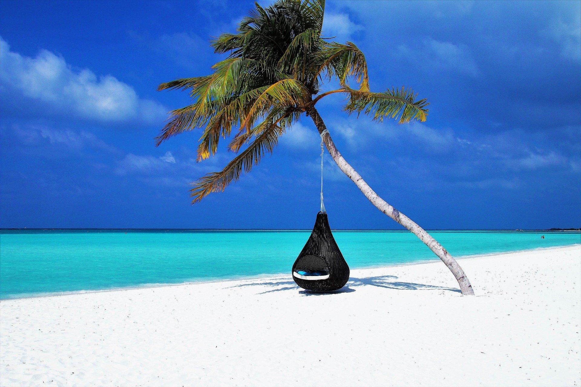 maldives-3220702_1920 (1)