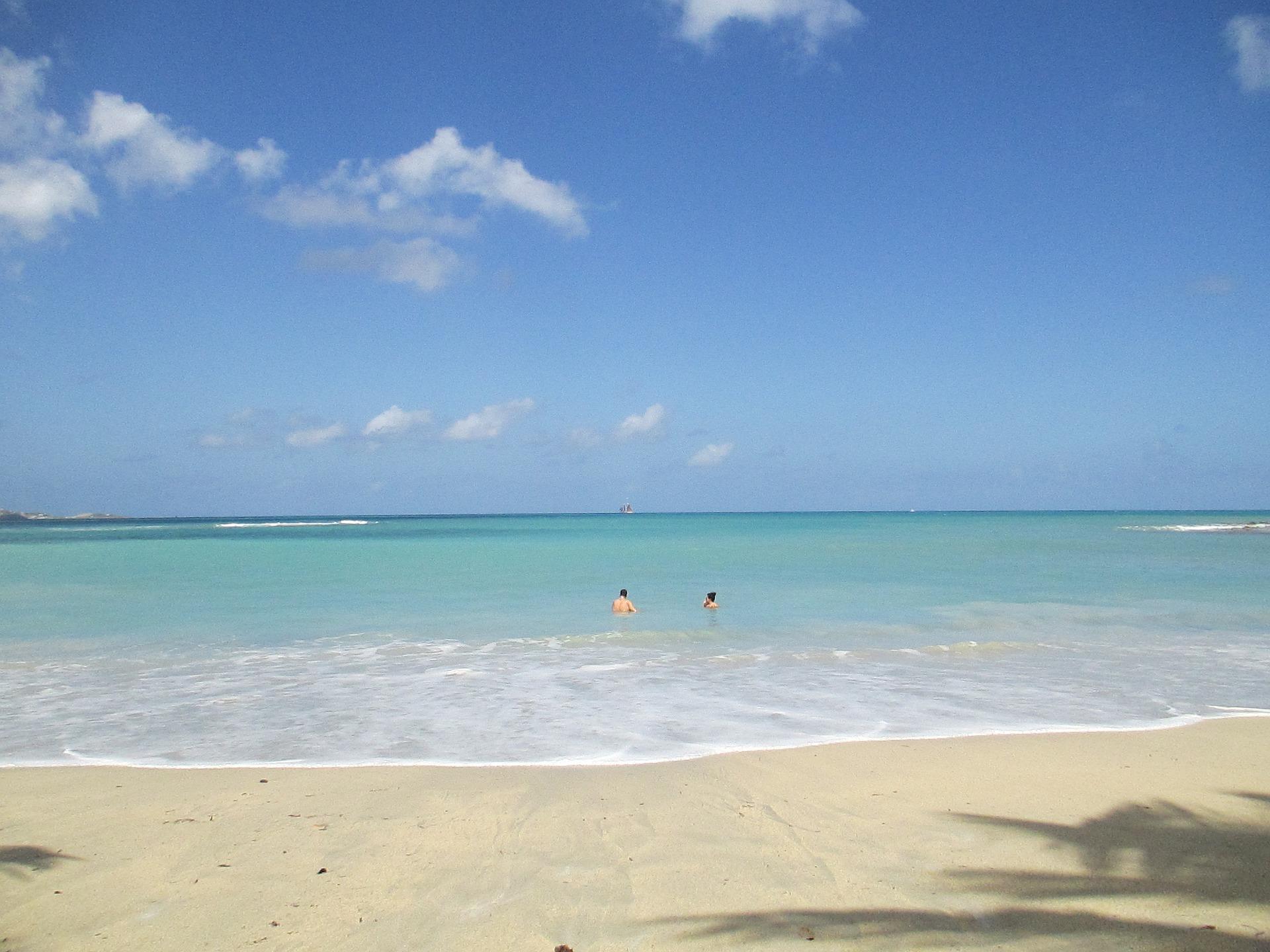 beach-2059070_1920