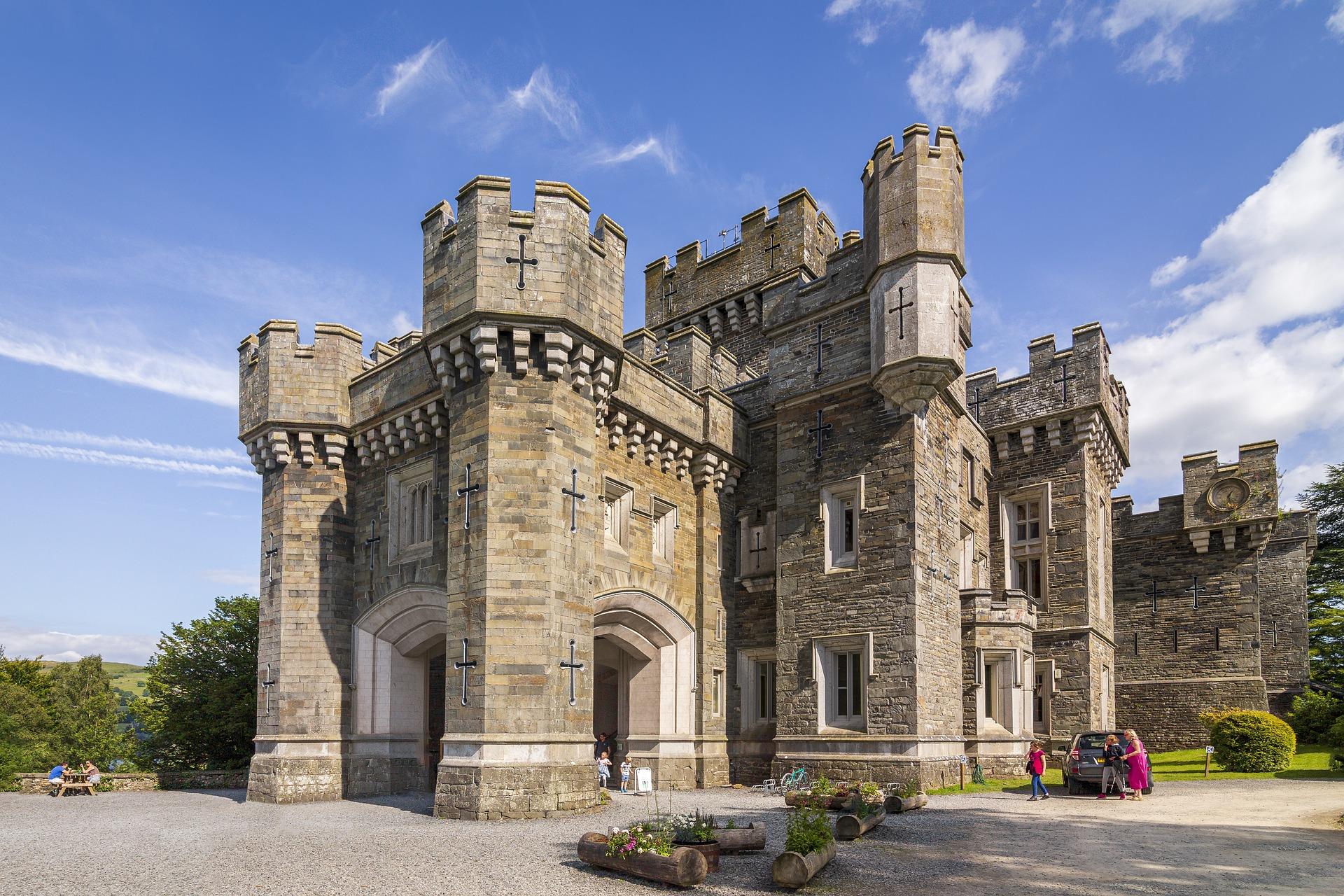 castle-4645126_1920 (1)