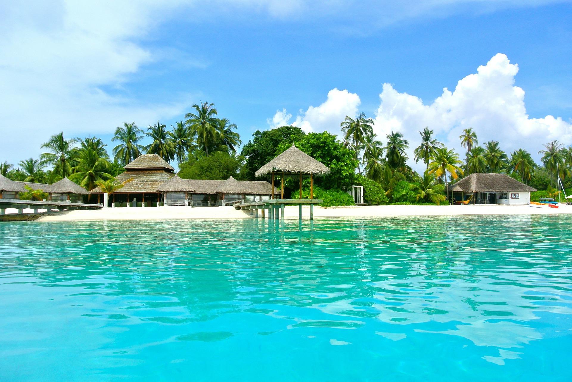 maldives-262516_1920