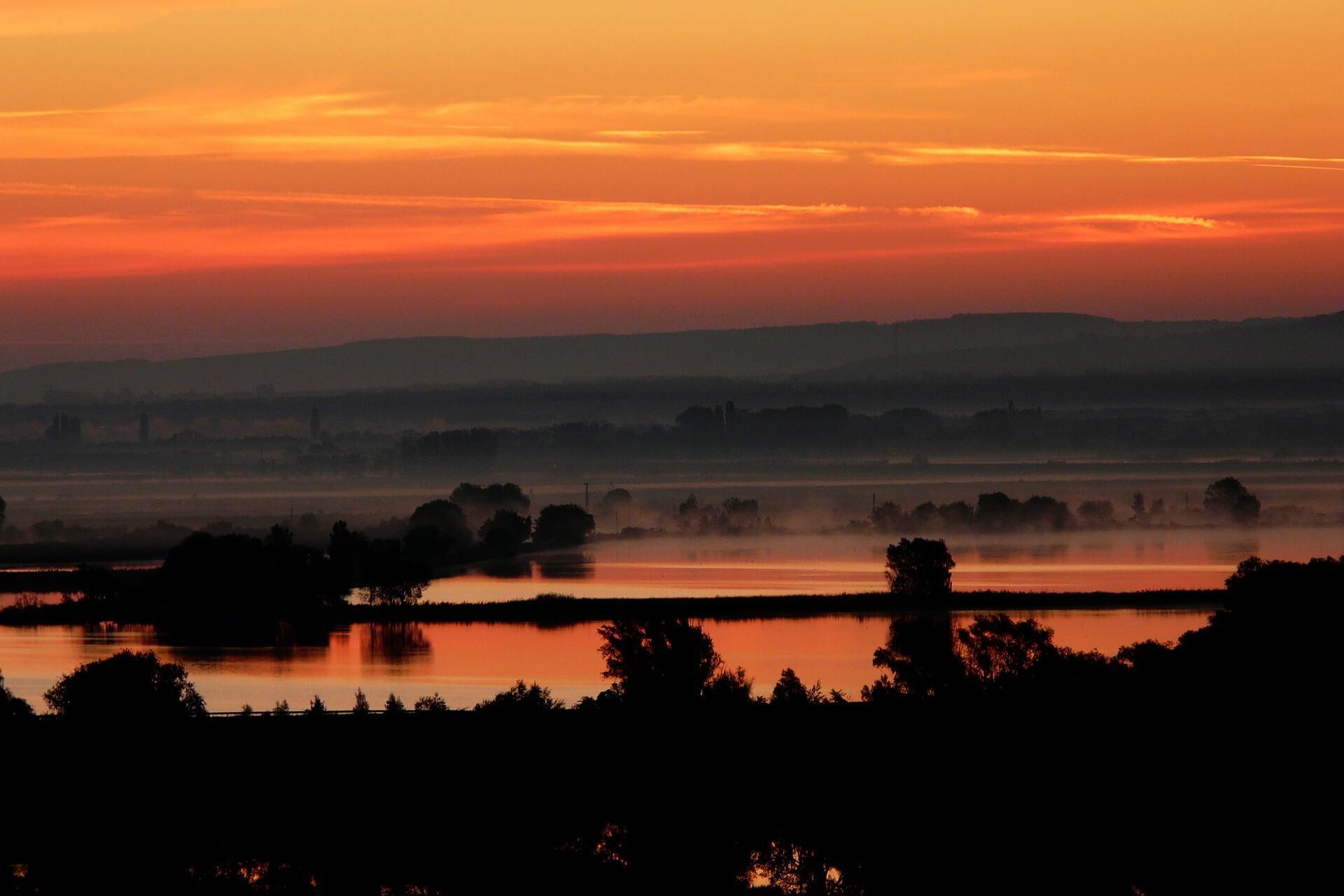 sunset-114557_1920