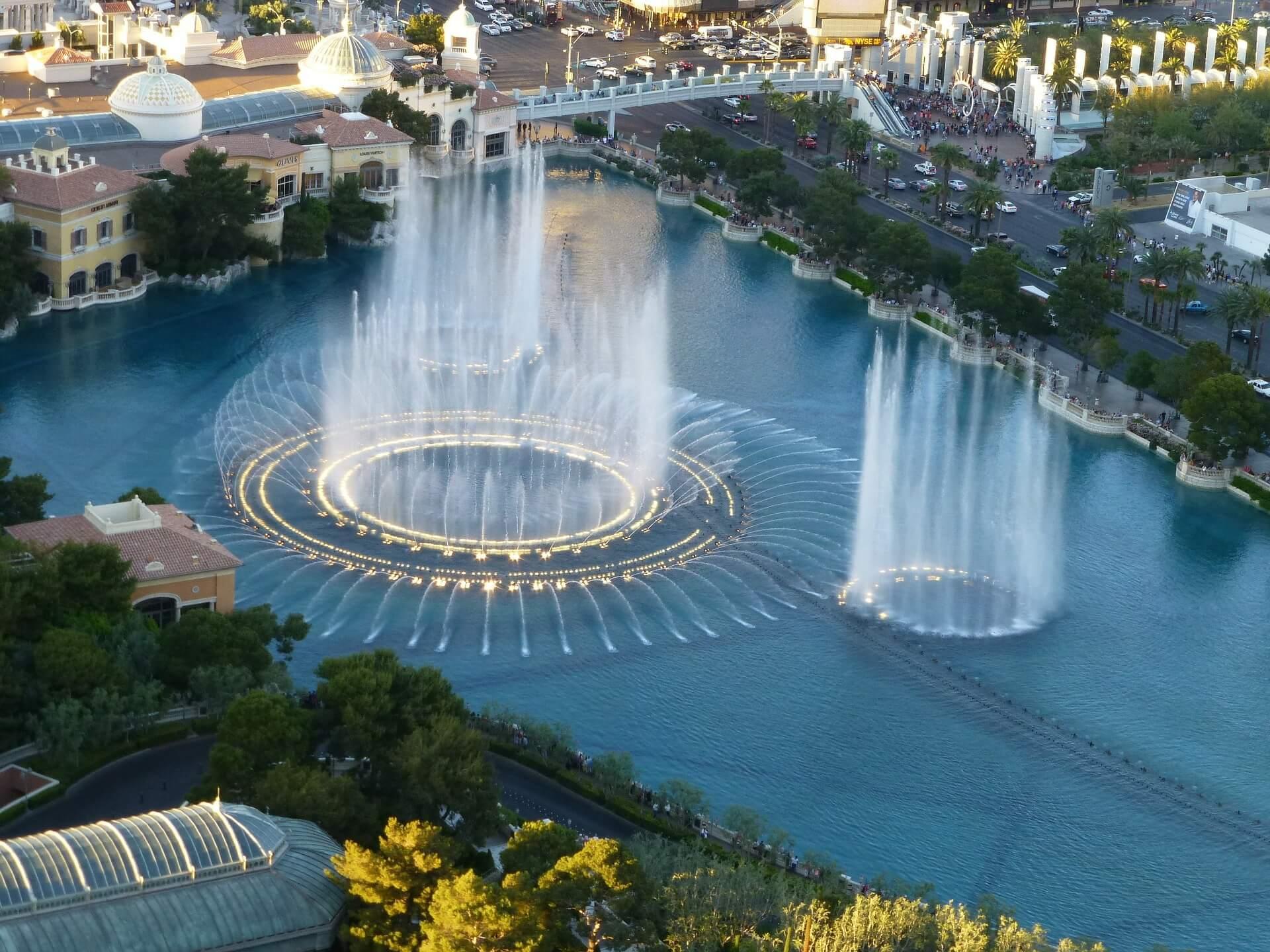 fountains-105508_1920 (1)