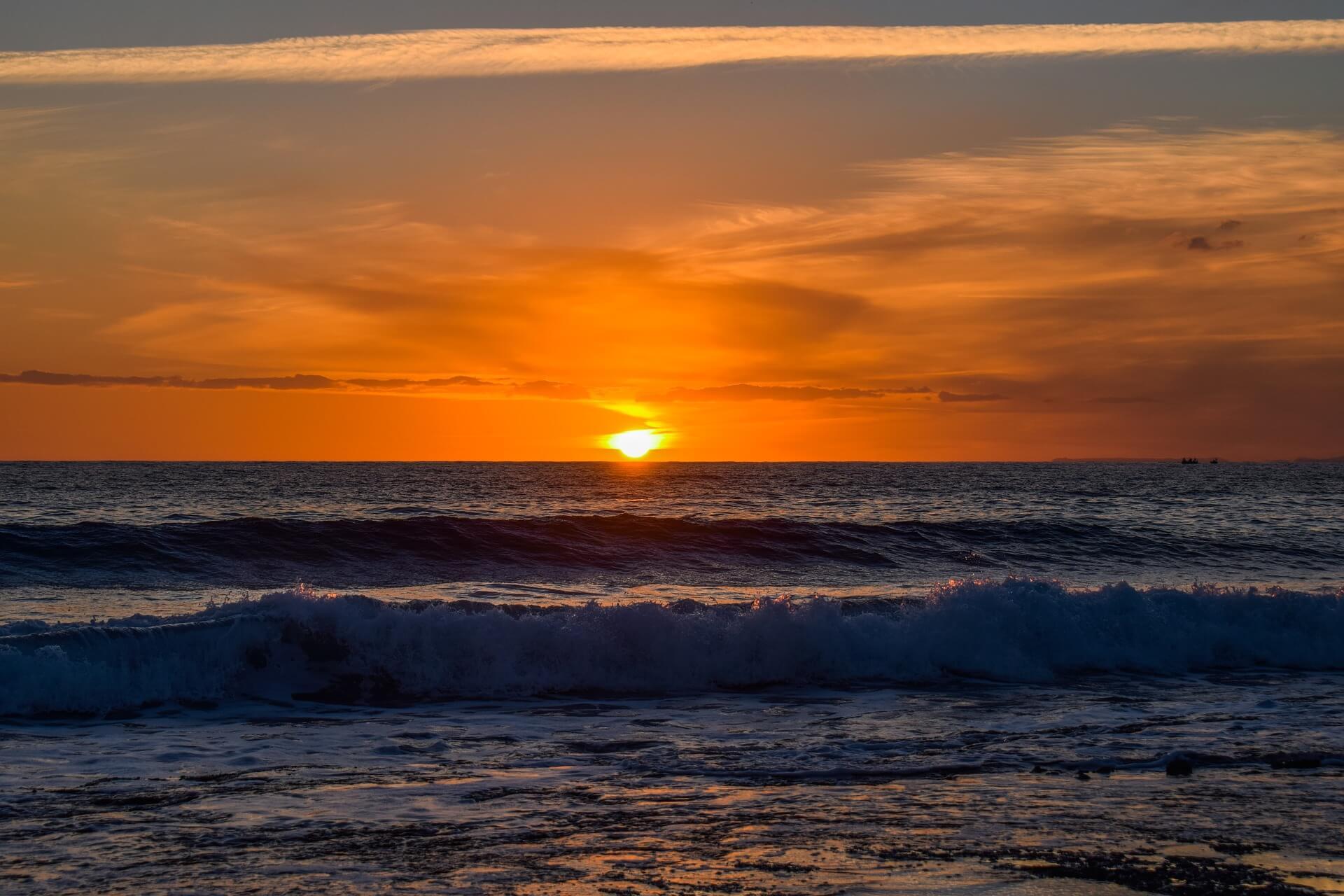 sunset-4053741_1920