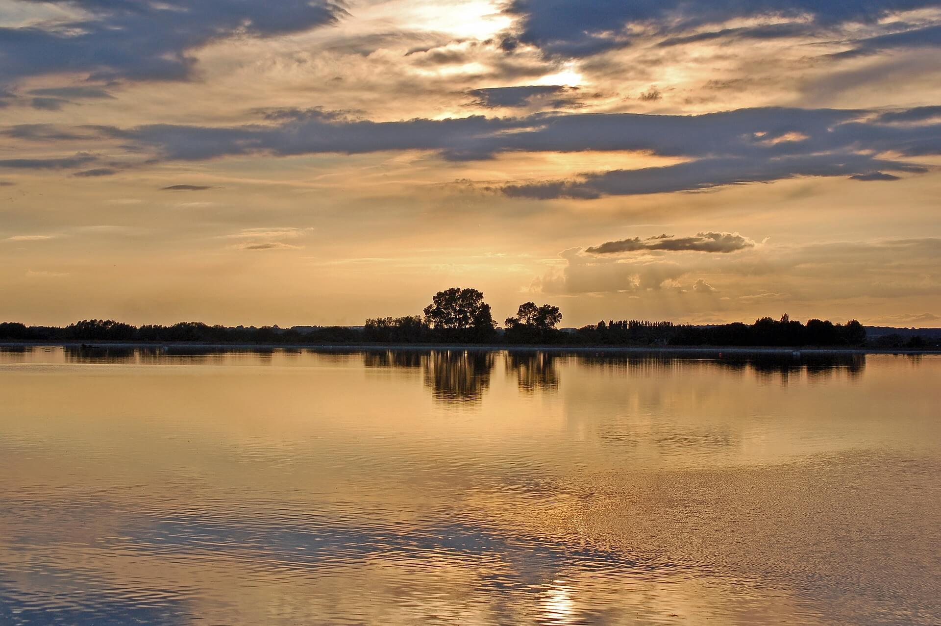 lake-5199460_1920 (1)